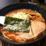 西葛西駅近くのラーメン屋ヨシベーでとんこつお魚ラーメンを喰らう