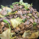 簡単、満腹レシピ!キャベツと豚肉の塩麹味噌炒め